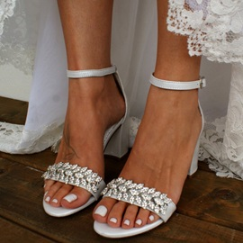 Buckle Round Toe Chunky Heel Low-Cut Upper Sandals