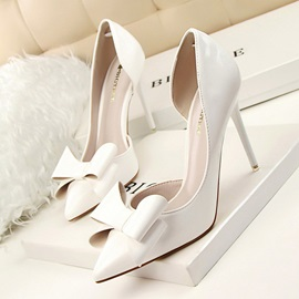 Pointed Toe Slip-On Bow Women's Pumps