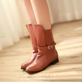 Asymmetric Decorated Buckle Solid Color Round-Toe Low Heel Boots