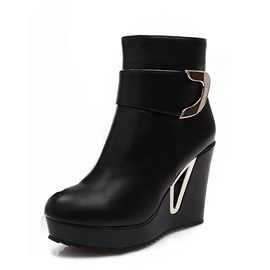 Round Toe Metal Decorated Wedge Heel Short Boots