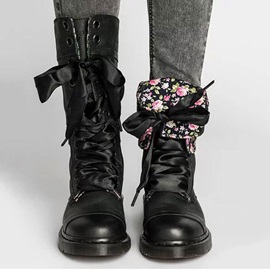 Lace-Up Front Block Heel Round Toe Women's Boots