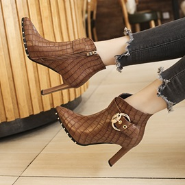 Alligator Pattern Pointed Toe Chunky Heel Women's Ankle Boots