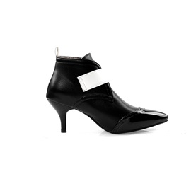Hasp Pointed Toe Kitten Heel Buckle Ankle Boots