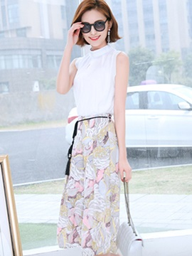 Stylish High-Neck Pleated Top & Printing Skirt