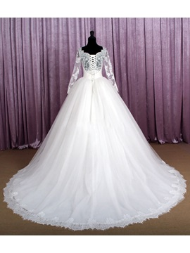 Vintage Sweetheart Long Sleeve Ball Gown Lace Wedding Dress