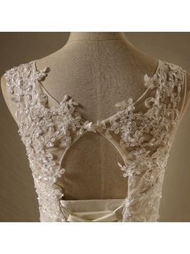 Lace Appliques Tiered Ruffles Open Back Wedding Dress