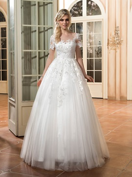 Delicate Scoop Neck Sequines Appliques Wedding Dress with Short Sleeves
