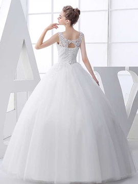 Scoop Neck Appliques Beading Ball Gown Wedding Dress