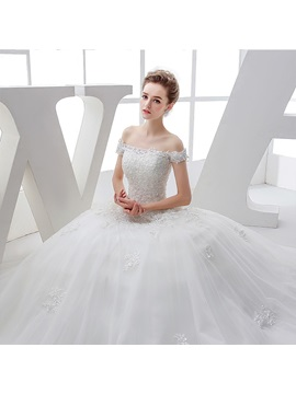 Delightful Off-The-Soulder Sequins Appliques Ball Gown Wedding Dress