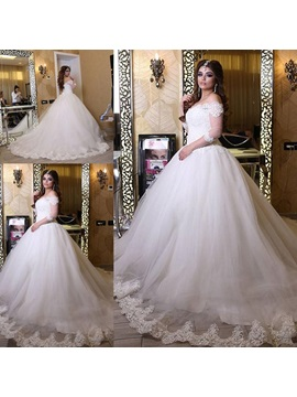 Extravagant Off The Shoulder Appliques Wedding Dress with Sleeves