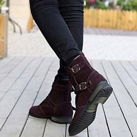 Thread Buckle Round Toe Slip-On Boots