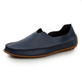 Cozy PU Solid Color Thread Slip-On Loafers