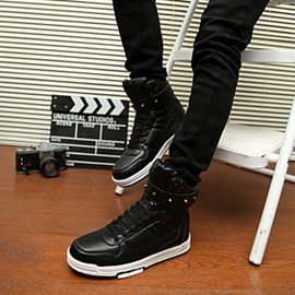 Rivets Decorated Solid Color Ankle Boots
