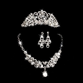 Fashionable Rhinestone and Alloy Wedding Jewelry Set (Including Necklace, Tiara, and Earrings)