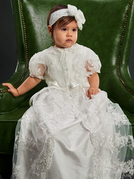 Short Sleeves Button Appliqued Baby Girl's Christening Dress