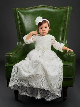 Round Neckline Lace Baby Girl's Christening Gown with Sleeves