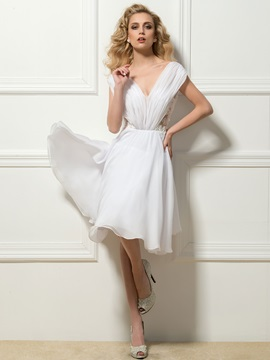 Dazzling V-Neck Lace Beading Knee-Length Cocktail Dress