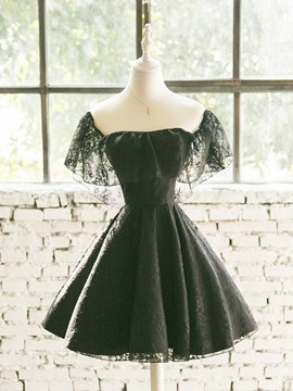 A-Line Lace Square Short Homecoming Dress