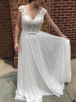 Cap Sleeve A-Line Appliques Beach Wedding Dress 2019