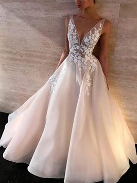 Deep V-Neck Appliques A-Line Wedding Dress 2019