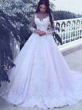 Long Sleeves Appliques Vintage Wedding Dress 2019