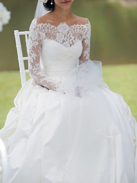 Off-The-Shoulder Long Sleeve Lace Ball Gown Wedding Dress 2019
