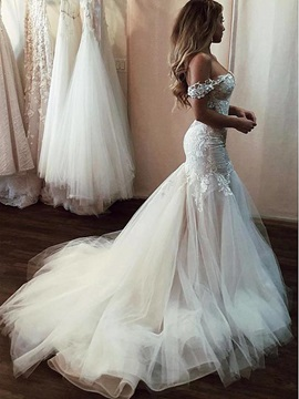 Off-The-Shoulder Appliques Lace Mermaid Wedding Dress 2019 & casual Wedding Desses