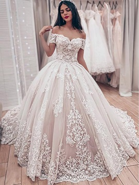 Off-The-Shoulder Lace Appliques Ball Gown Wedding Dress 2019