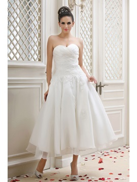 Gorgeous Sweetheart A-line Appliques Tea-Length Taline's Wedding Dress