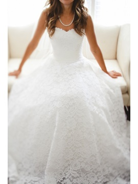 Pure A-Line Sweetheart Neck Lace Wedding Dress
