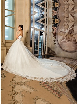 Amazing Strapless Ball Gown Sequins Appliques Bowknot Floor-Length Wedding Dress