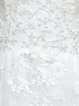 High Quality Appliques Lace A-Line Court Wedding Dress