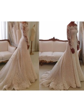 Buttoned Lace Wedding Dress with Long Sleeve