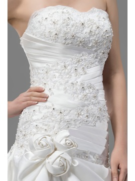 Beautiful Trumpet/Mermaid Flowers Lace-up Sweetheart Court Train Appliques Wedding Dress