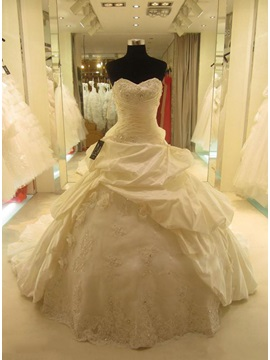 Vintage Sweetheart Pick-ups Ball Gown Cathedral Wedding Dress