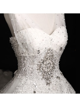Luxurious Rhinestone Beaded V-Neck Lace Ball Gown Cathdral Wedding Dress
