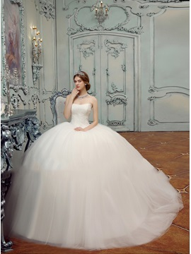 Simple Style Strapless Lace Top Floor Length Ball Gown Wedding Dress