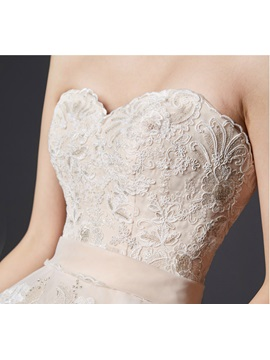 Sweetheart Lace Applqiues Lace-Up Ball Gown Wedding Dress
