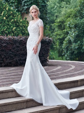 Superior Sheer Neck Appliques Mermaid Wedding Dress with Short Sleeves
