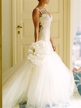 Spaghetti Straps Sheer Back Appliques Wedding Dress