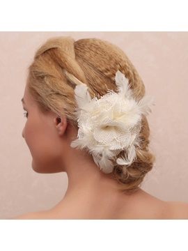 Elegant Flower Shaped Feather Decorated Hair Claw