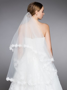 Dramatic Lace Appliques Edge Bridal Elbow Veil