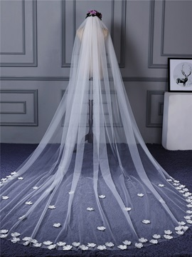 Charming 3D-Flowers One Layer Wedding Veil