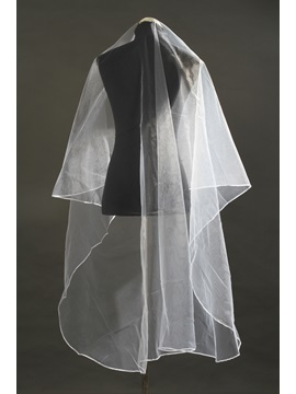 Delightful Waltz Length White Tulle Wedding Veil