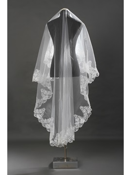 Enchanting Chapel White Lace Wedding Veil