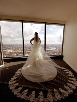Glamour Tulle Appliques Edge Cathedral Wedding Veil
