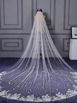 Fresh Appliques Edge One Layer Wedding Veil