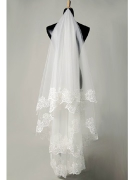 Charming Fingertip Ivory Lace Edge Wedding Bridal Veil