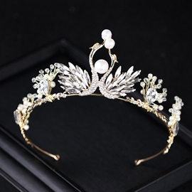 Court Style Wing Decorated Rhinestone with Pearl Wedding Tiara