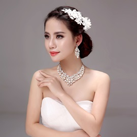 Eye-catching Floral Lace Pearl Alloy Wedding Jewelry Sets (Including Hair Flower, Earrings, and Necklace)